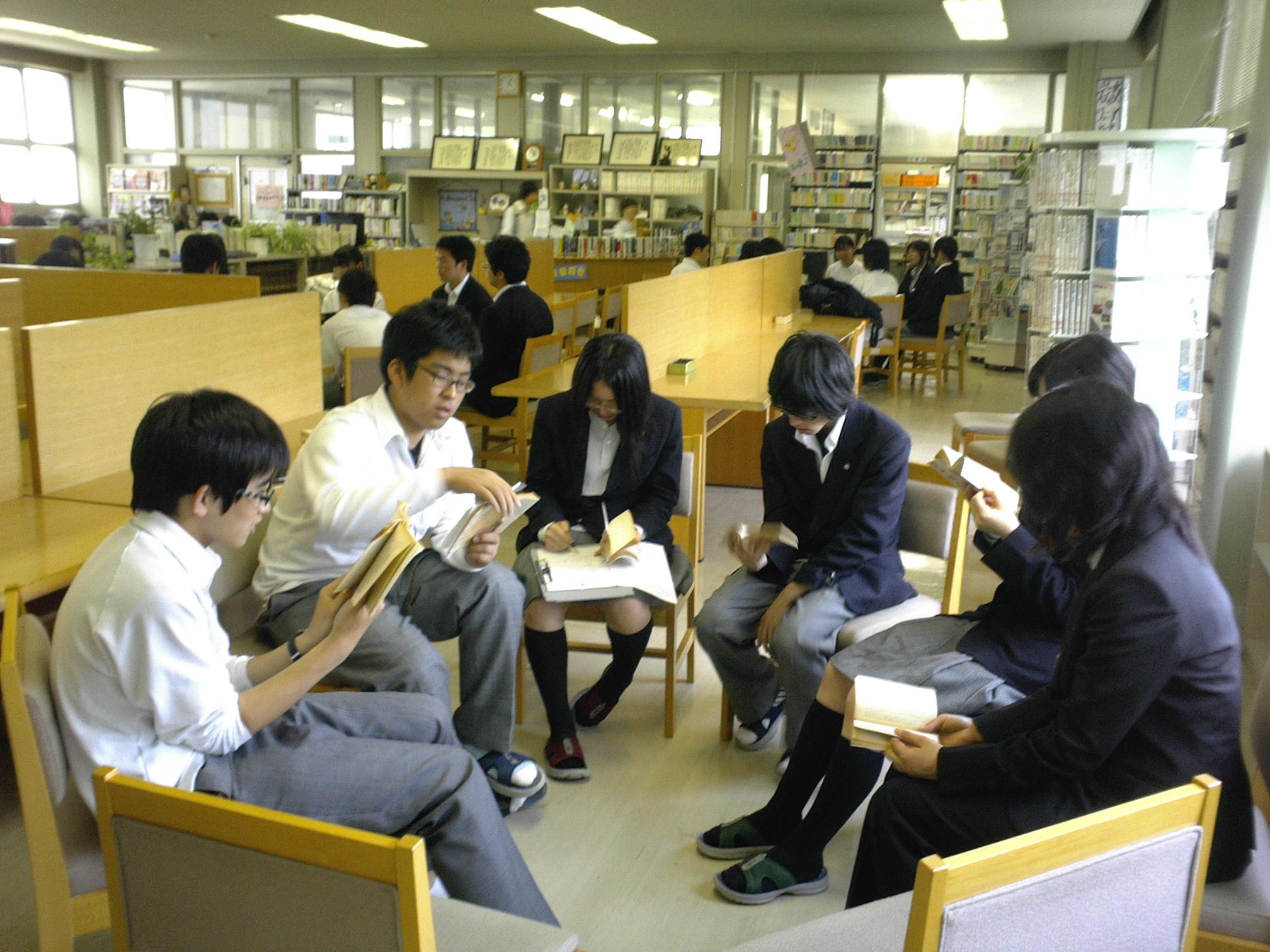 金沢泉丘高等学校校内画像